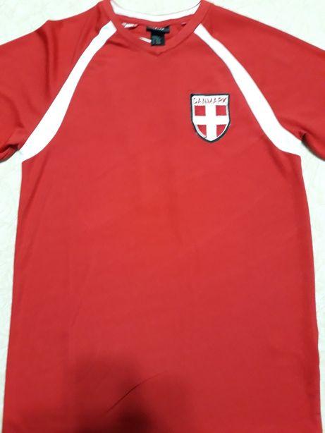 Vând tricouri cu Danemarca și Italia