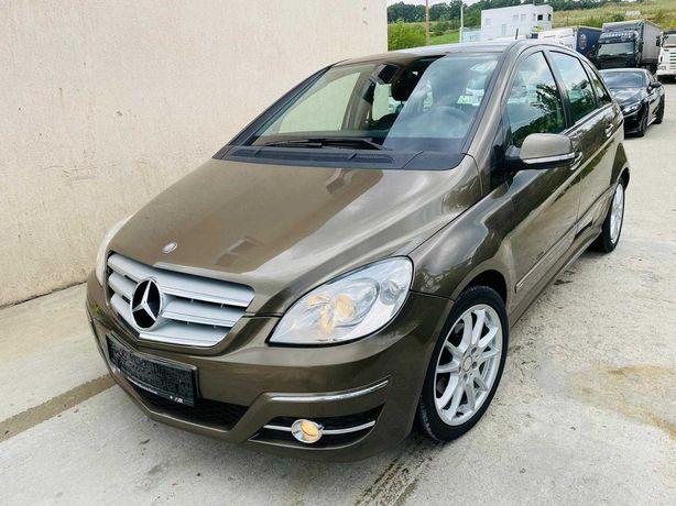 Mercedes-Benz B 200//Avantgarde//Piele//Navigatie