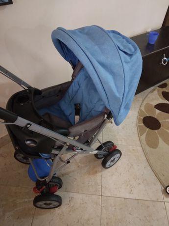 Vând cărucior și măsuță pt copii
