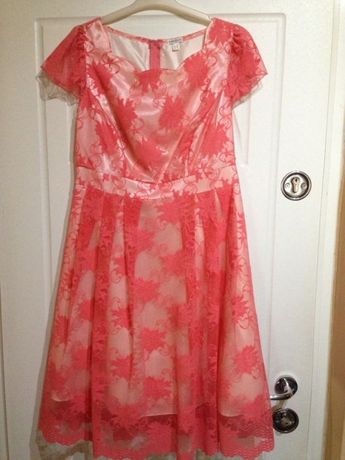 Rochie elegantă Karotte