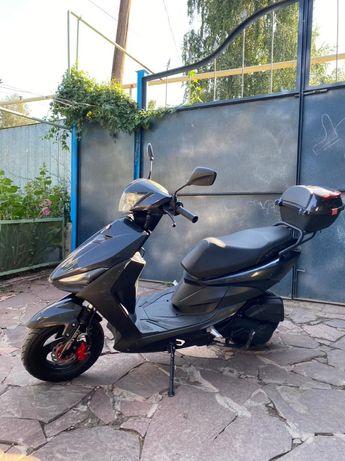 Продам скутер GTS 150