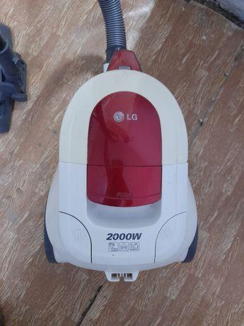 Пылесос LG 2000 .бу, в Ленгере