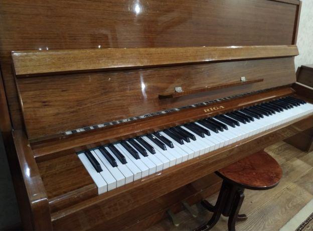 Продаю пианино Riga(Рига) 30 000 тг, торг, в комлекте стул