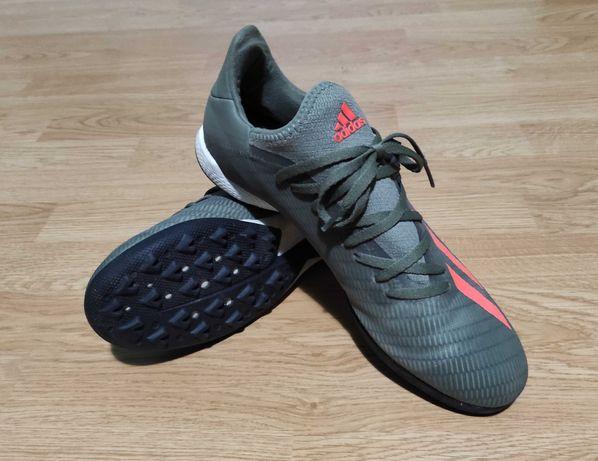 Adidasi adidas de gazon (fotbal)