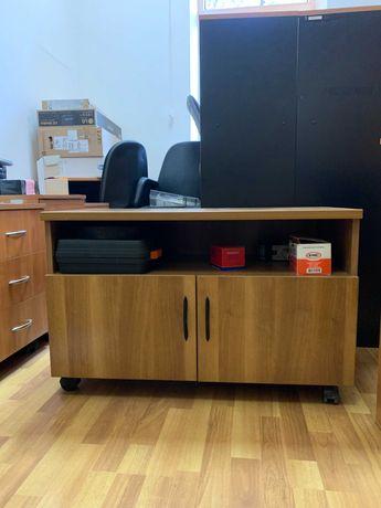 Срочно продается офисная мебель, от 3 000 тенге.