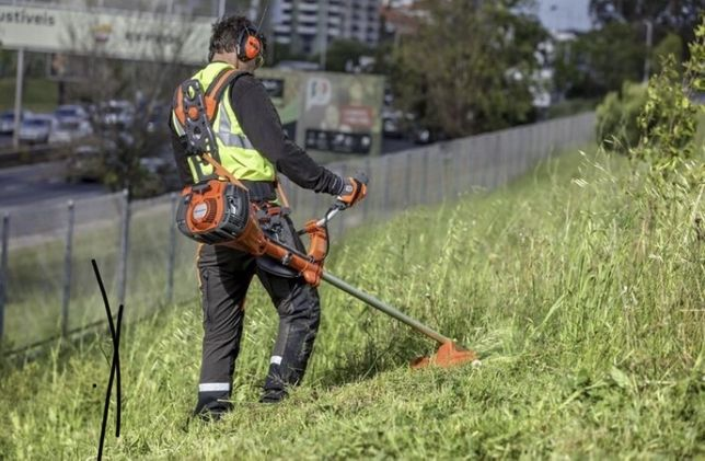 Tund tai si defrises iarba gazon sau boscheti
