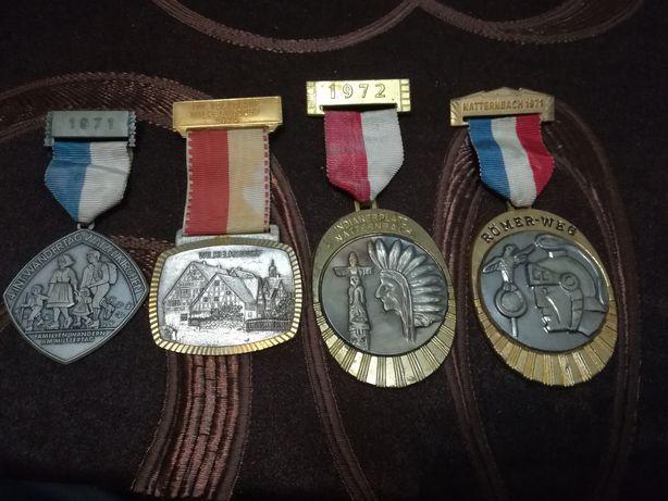 Medalii decorații