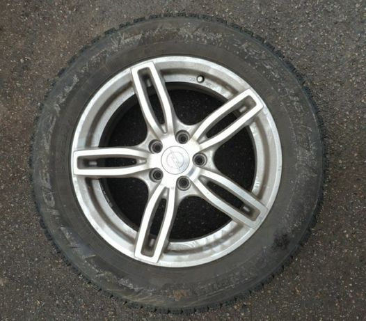 Продам комплект зимних 4шт шин с дисками R16,55,215.