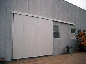 Hala metalică 6x24 cu completa sau pe elemente cu sau fara panour