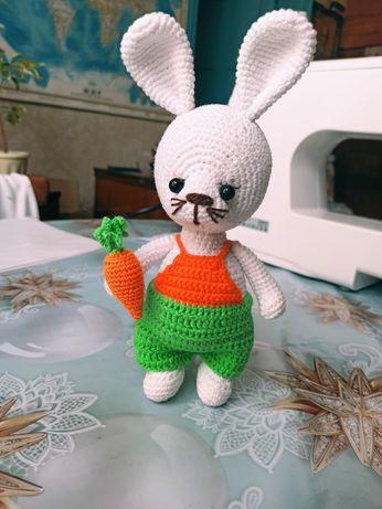 Продам милого вязанного зайца