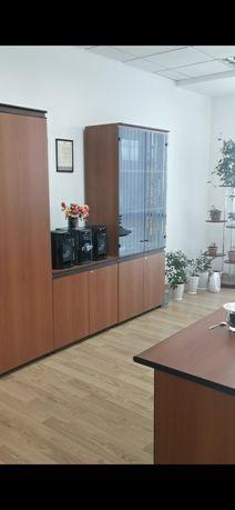 Продам мебель офисную
