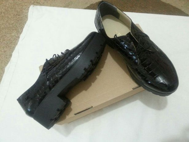 Pantofi de lac natural