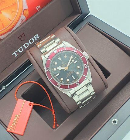 Tudor Black Bay 58 Heritage Red механичен часовник автоматик