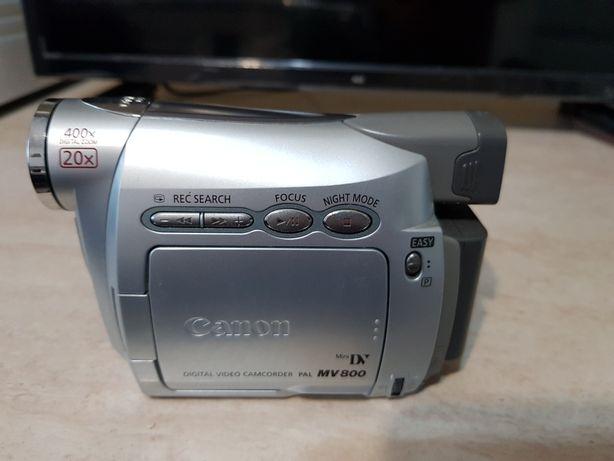 Camera video digitala Canon!