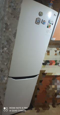 Срочно Холодильник LG No Frost