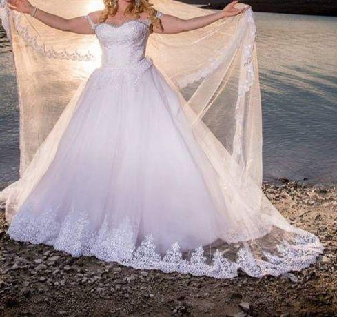 Булчинска рокля шита по поръчка с подарък