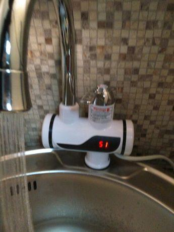 Нов Смесител с нагревател за вода проточе бойлер за мивка кухня баня