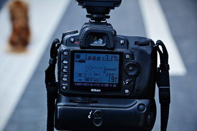 ieftin nikon D90 +grip+obictiv sigma 18/50 f.2,8 +blitz +geanta foto