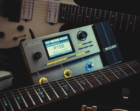 Продам гитарный процессор Mooer GE200