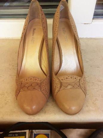 Продавам нови дамски обувки