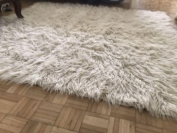 Covor fluffy lână naturală, lucrat manual