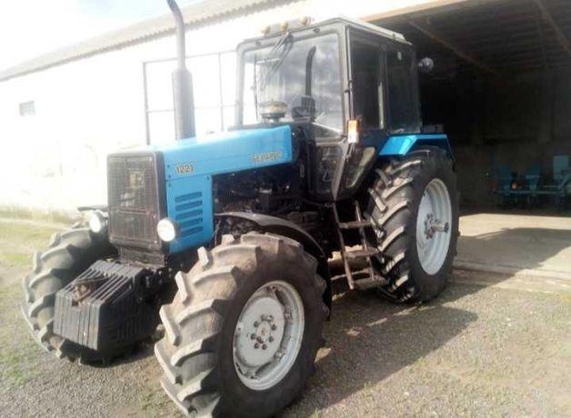 Продам трактор беларус 1221