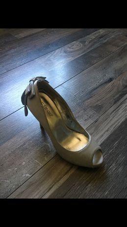 Дамски обувки Tulipano нови
