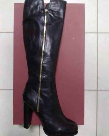 Продаются новые Турецкие кожаные  осенние  сапоги 39р