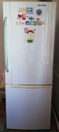 Холодильник большой