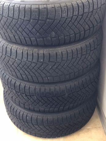 Зимние шины новые Pirelli 215/60/R17 140 тыс