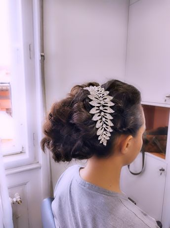 Hair stilist ,realizez ,vopsit ,tuns ,aranjat ,