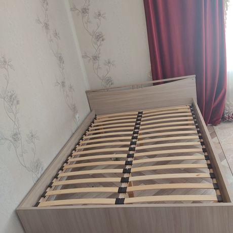 Продам 2-х спальный кровать