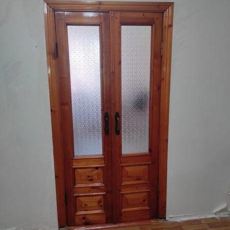 Дверь дерево  массив