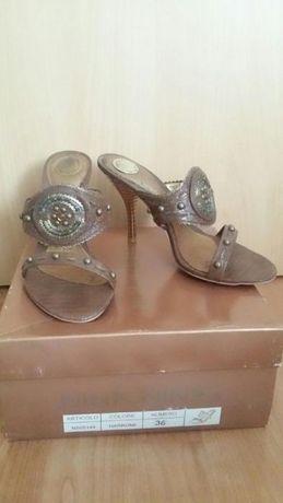 НОВИ дамски обувки 36 номер
