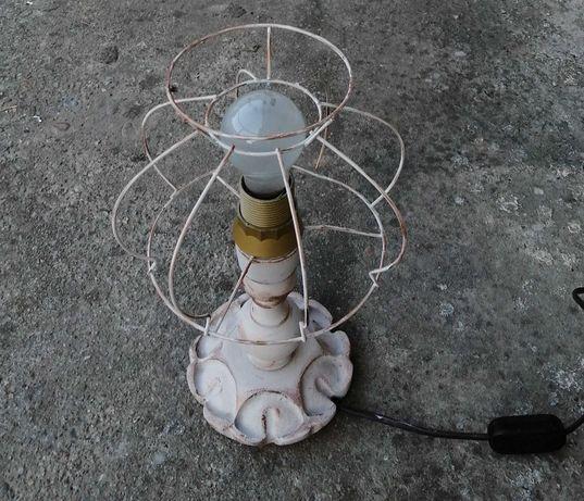 Veioza/ lampa de masa- lemn si metal- vintage/ retro