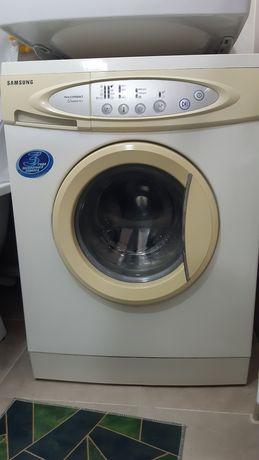 Продам стиральную машину на запчасти