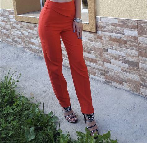 Червен панталон Junona