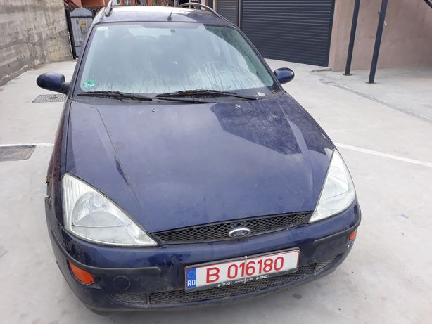 Dezmembrez Ford Focus 1.6 16v 2001