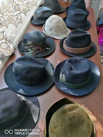 Vând 11 pălărie de vânătoare