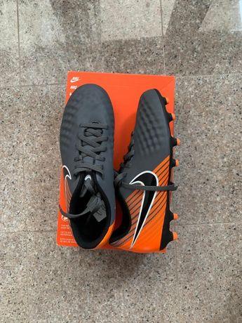 Ghete Fotbal Nike Jr Obra 2 Club FG NR 37.5 Pret fix 200lei NU SCHIMB.