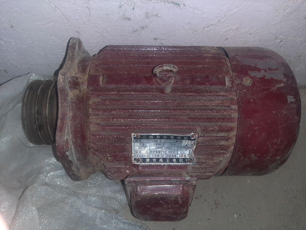 Электродвигатель 7.5 квт 2800 об.мин