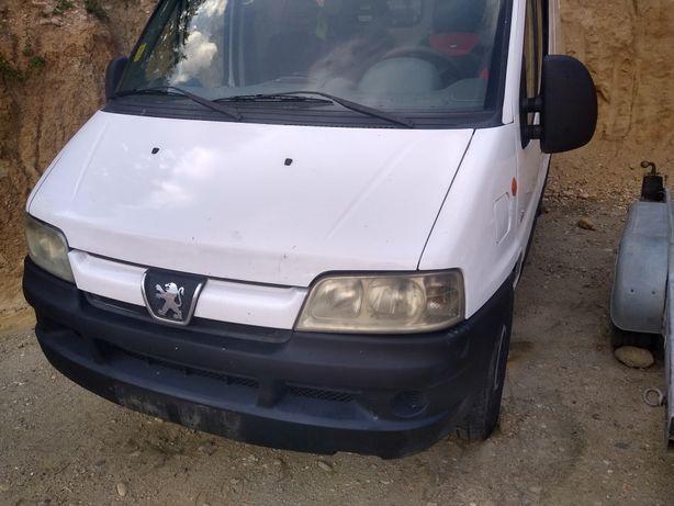 Dezmembrez Peugeot Boxer 2.2 HDI 2005