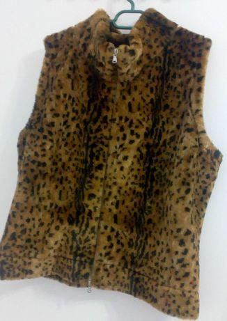 vesta superba marimea xxl, bust 115-120 cm, marca Irina Schrother
