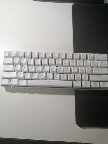 vand tastatura mecanica rk61