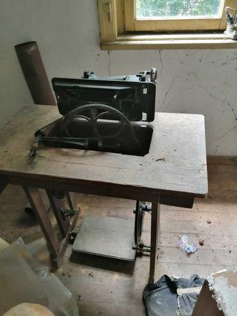 Шевна машина, антикварна, работеща.