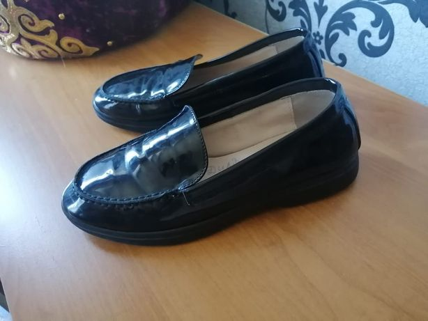 Продам туфли, лаковые.