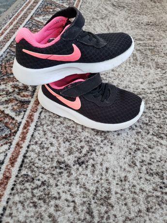 Adidasi Nike nr 26