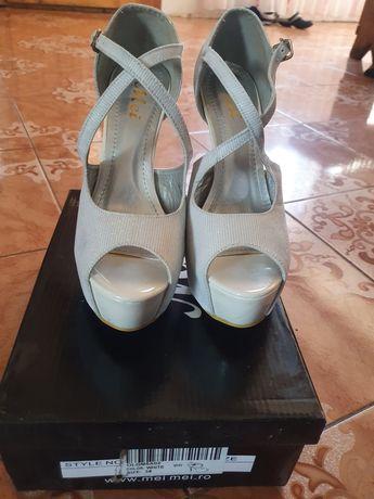 Diverse, Sandale