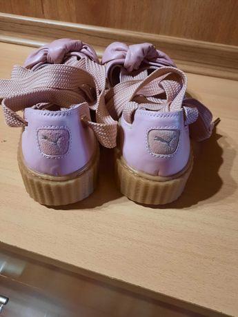 Оригинални обувки на пума и guess