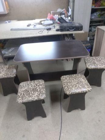Новый стол 4 табуретки